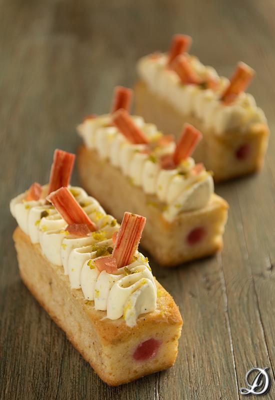 Mini Cakes de Queso rellenos de Fresa y Ganache montada de Vainilla