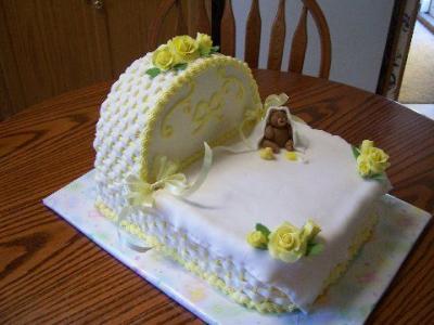 Bassinet Cake4
