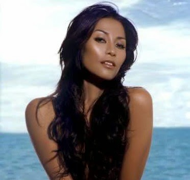 Anggun C Sasmi hot