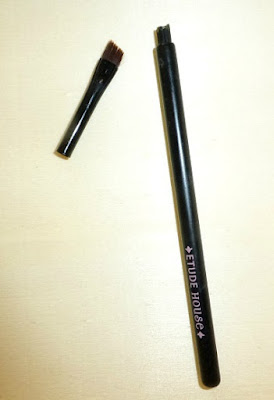 etude-house-angled-eyeliner-brush