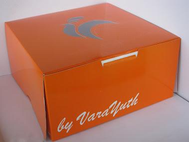 กล่อง เค้ก 1 สีเจาะหน้าต่าง