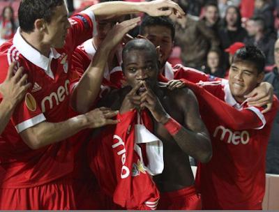 Golo de Ola John no Benfica - Bayer Leverkusen