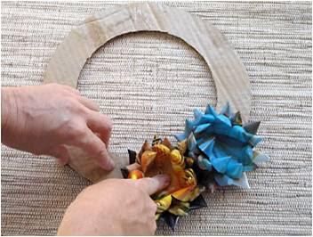 Как сделать венок своими руками из бумаги легко