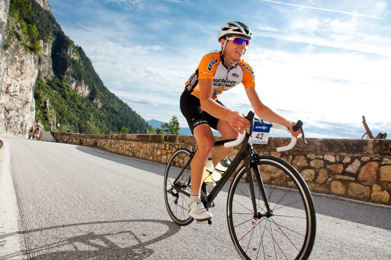 Велосипедная экипировка будет полезна не только проффесионалам, но и любителям активного отдыха