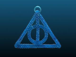 le symbole des reliques de la mort réalisé en scoubidou