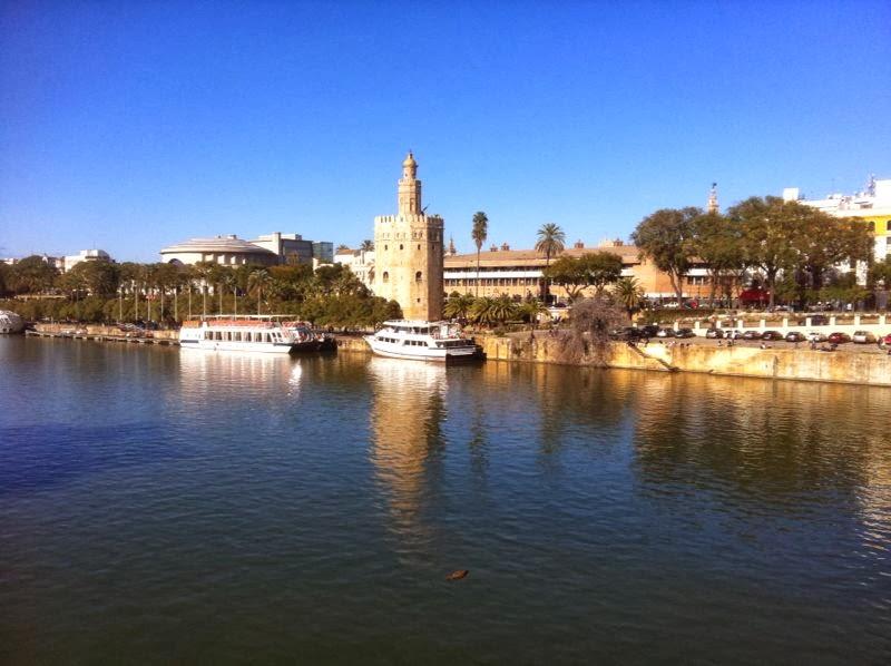 Río y Torre del Oro
