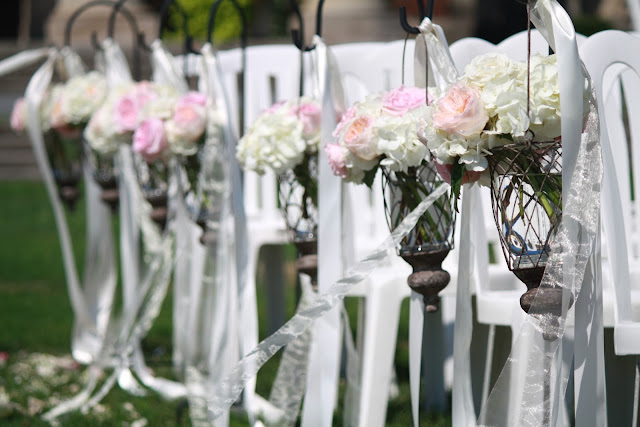 Saratoga Hall of Springs Ceremony Hanging Flower Vases - Splendid Stems Event Florals