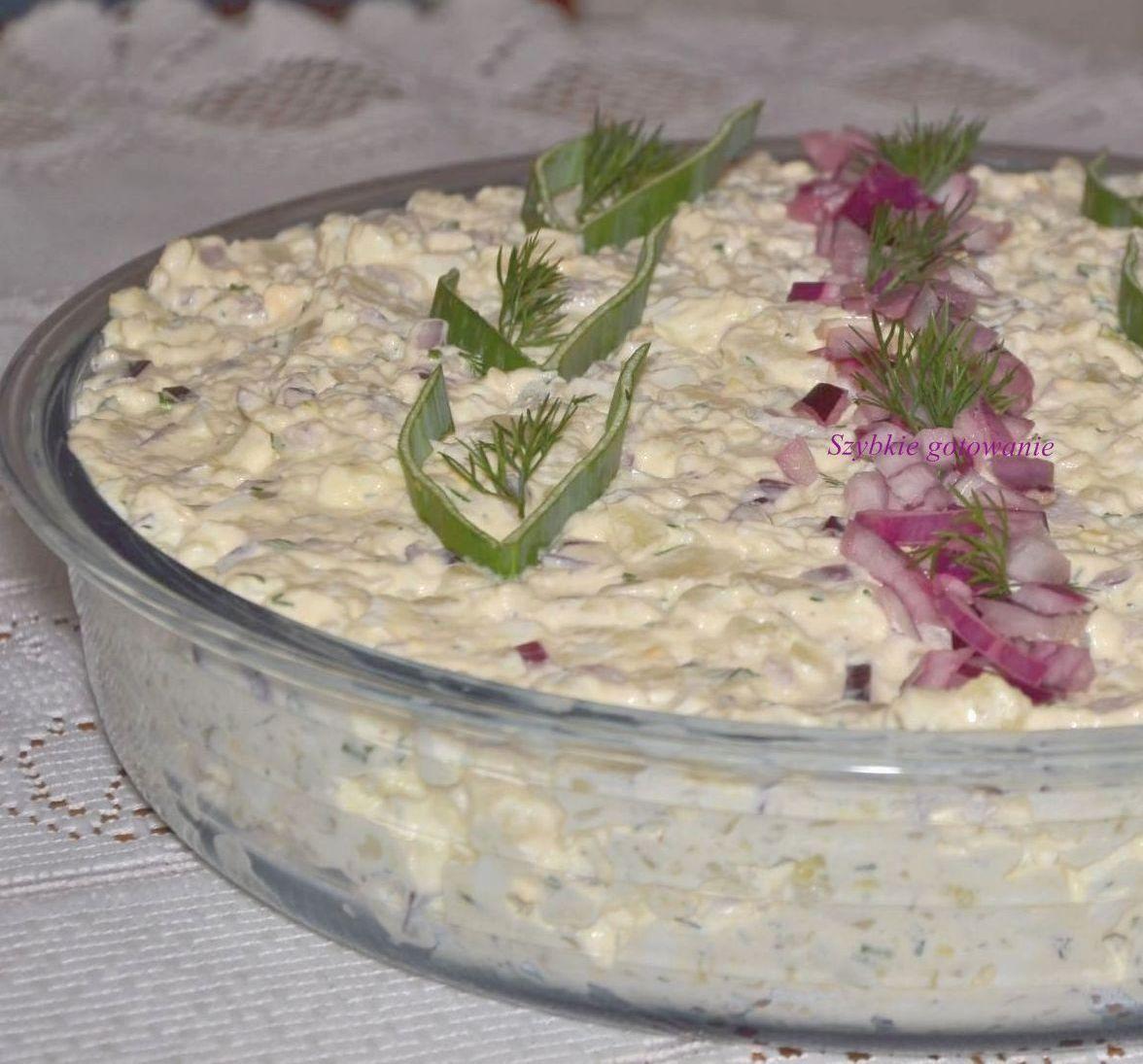 Oszczędna sałatka ziemniaczana z koperkiem