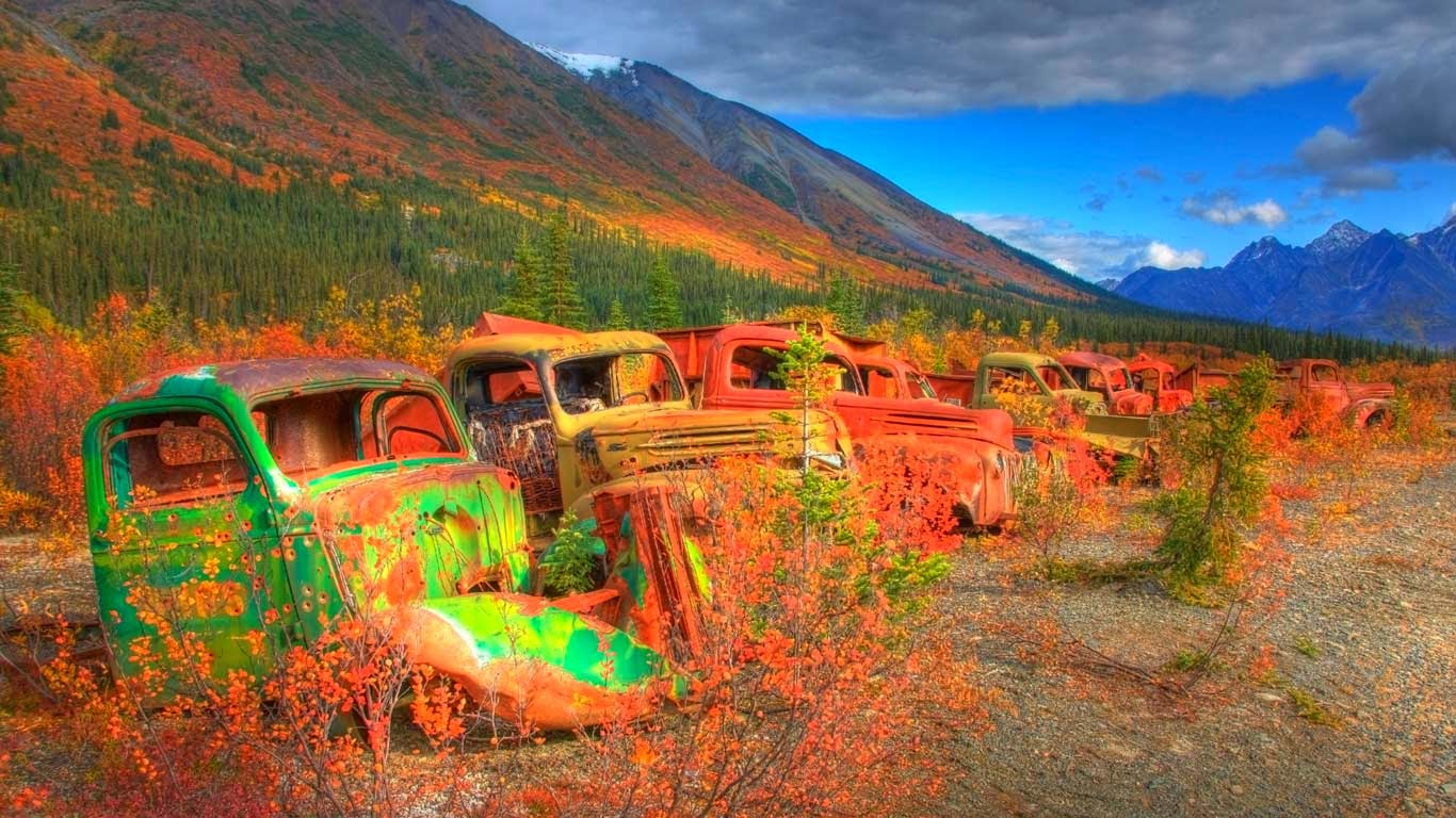 Abandoned army trucks on the North Canol Road, Yukon, Canada (© Robert Postma/Corbis) 57