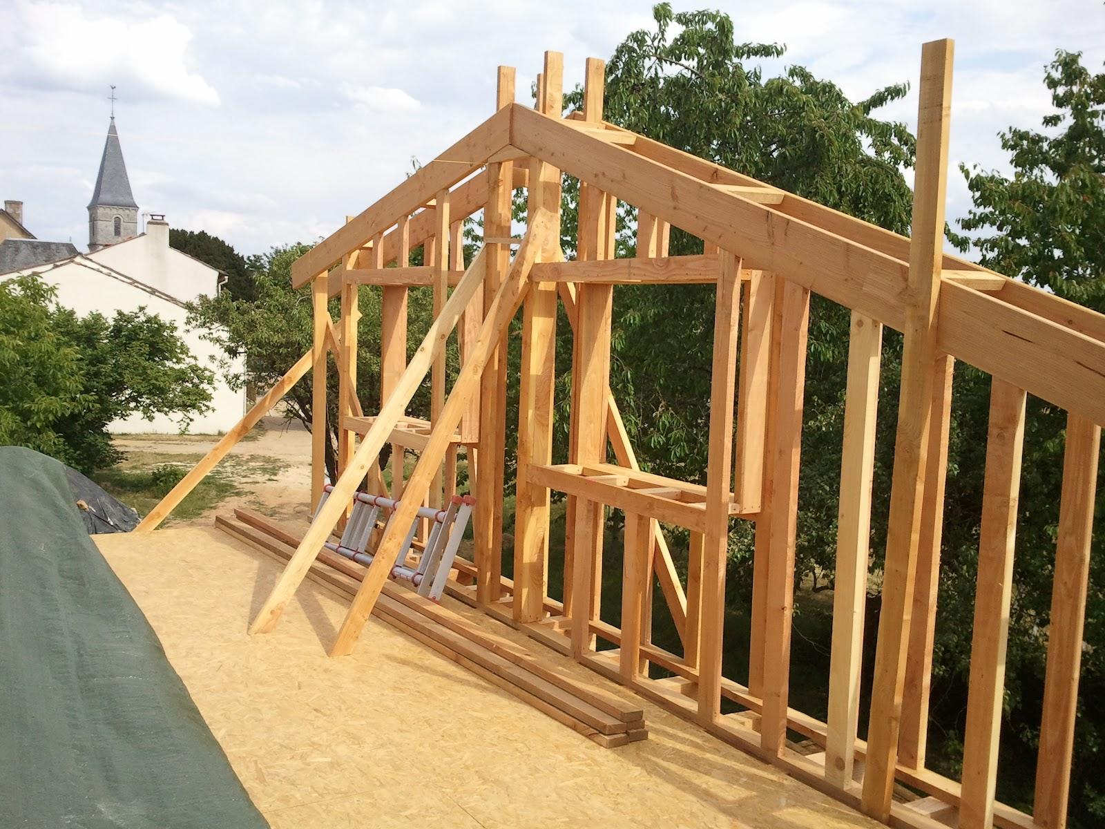 Notre maison ossature bois isolation paille  On avance l'ossature de l'étage # Construire Une Extension En Bois Soi Même