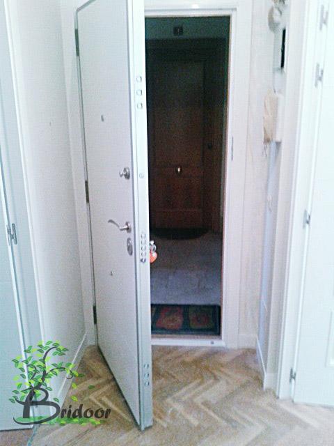 Bridoor s l remodelacion vivienda con armarios abatibles for Cristales para puertas de paso