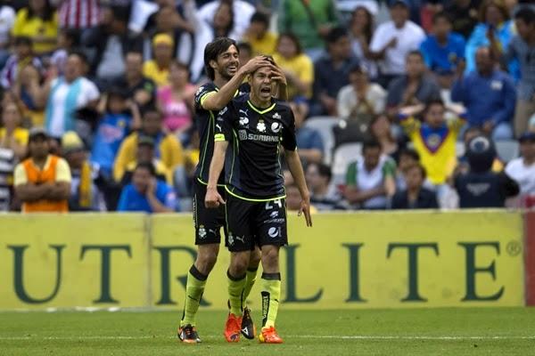 Oribe Peralta, anotando un golazo ante el América en el torneo Clausura 2014 del futbol mexicano | Ximinia