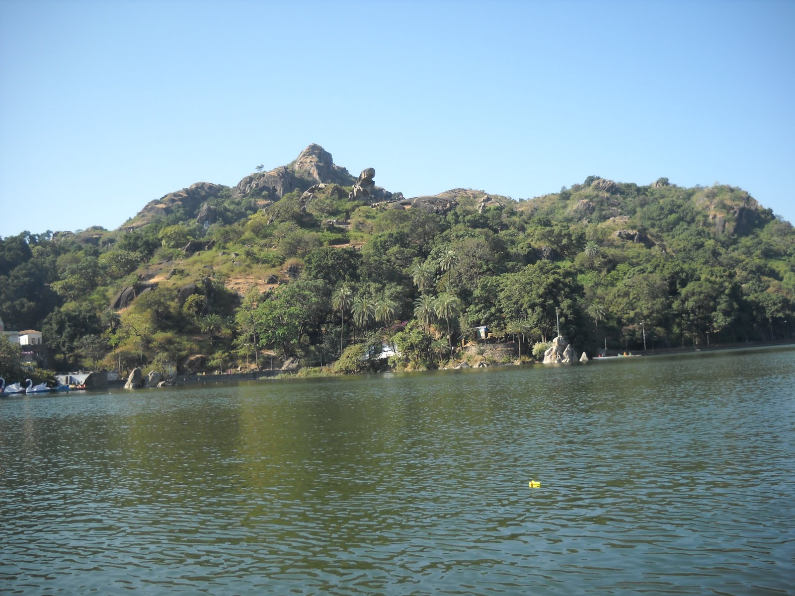 my favourite place is mount abu The mount abu observatory is located near the town mount abu in the state of rajasthan the observatory is at an altitude of 1680 metres and is adjacent to guru shikhar, highest peak of the aravalli range.