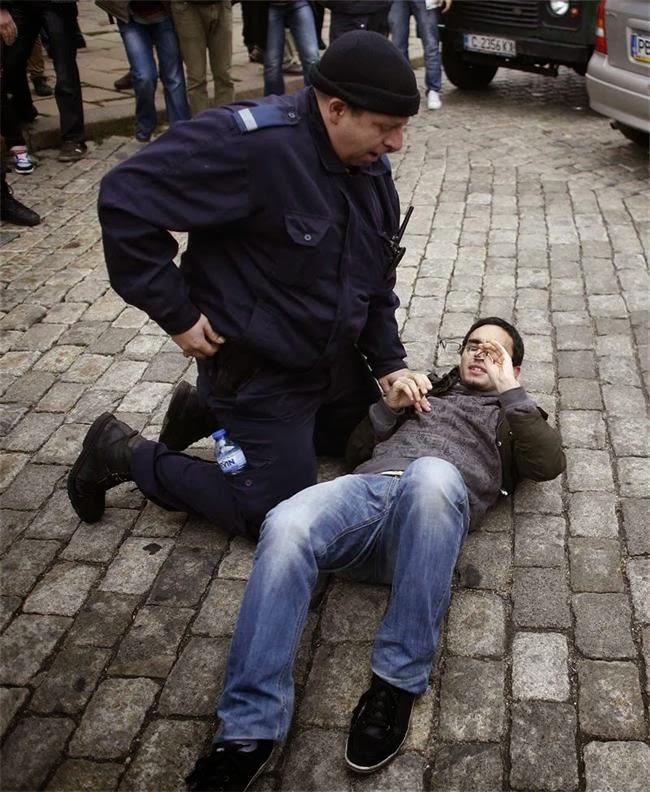 Арест на студент по време на протестите