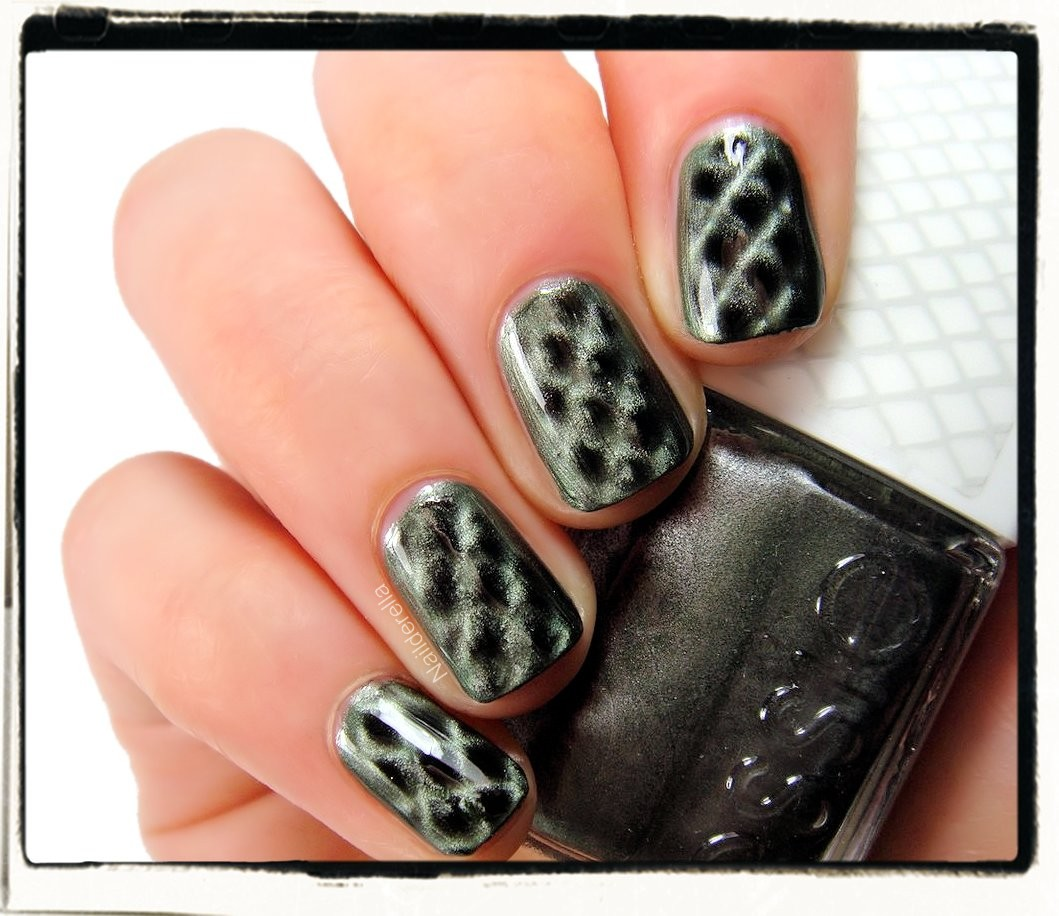 Get Your Python on With Essie's Repstyle Collection foto