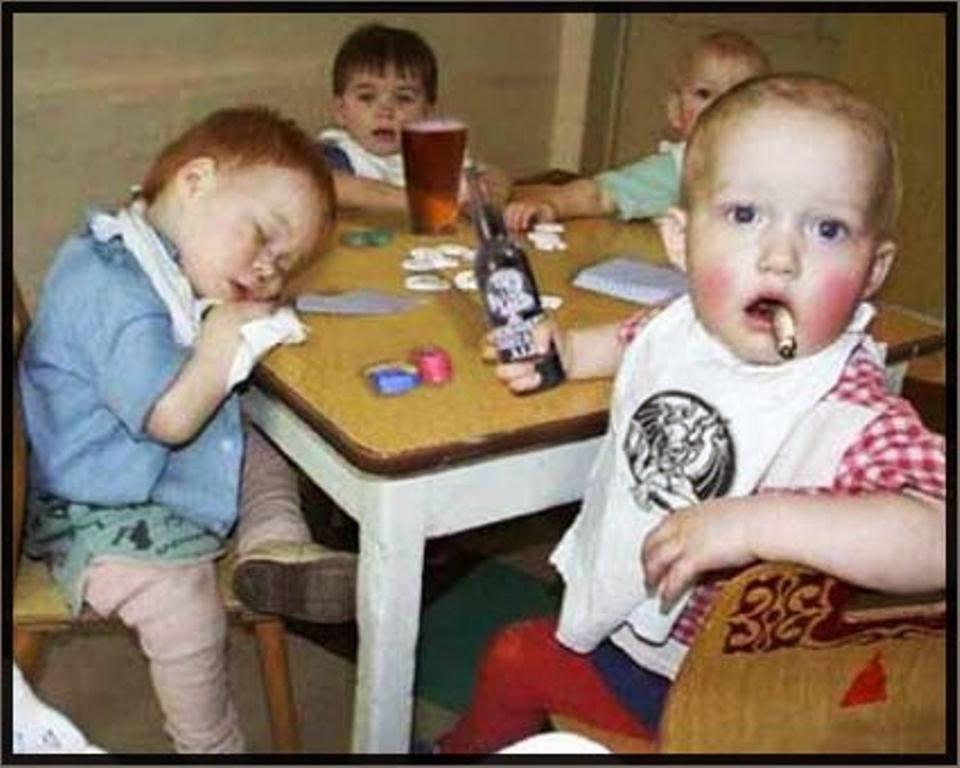 Foto lucu bayi-bayi mabuk editan