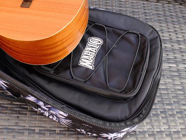 Mahalo U320B Baritone ukulele gig bag