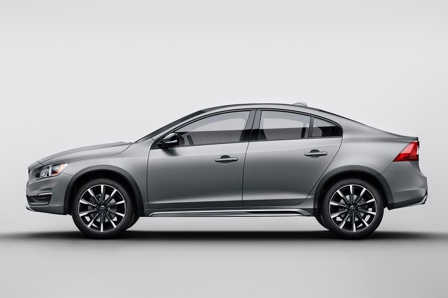 Volvo S60 Cross Country (2016) Side