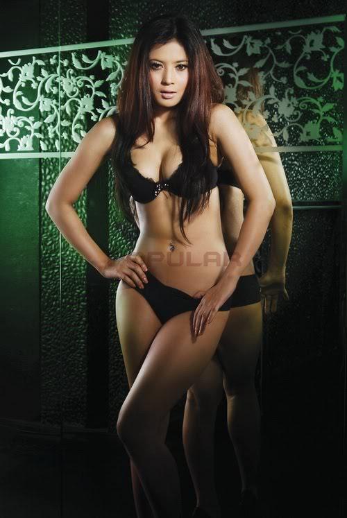 Foto Hot Bugil Wulan Guritno Sexy Babes