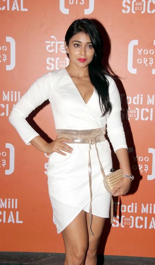 South indian actress shriya saran in hot white dress latest photos