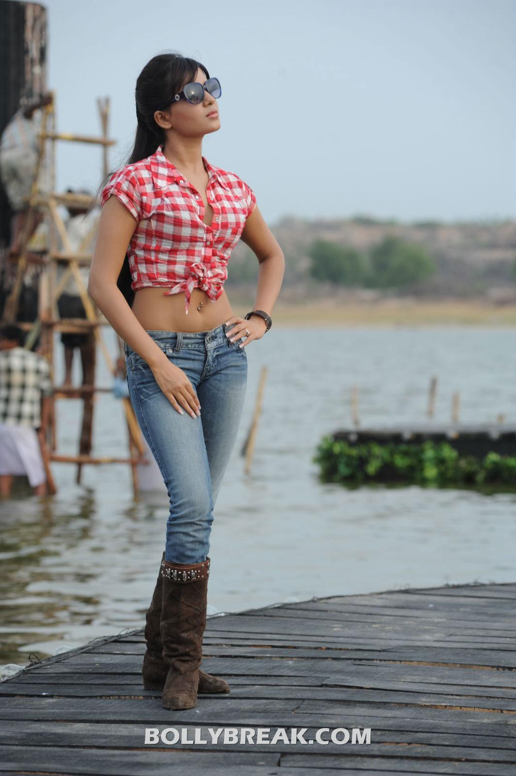 Samantha in blue jeans red top showing navel - Samantha Hot Navel Show Photo Gallery - Top & Tight Jeans
