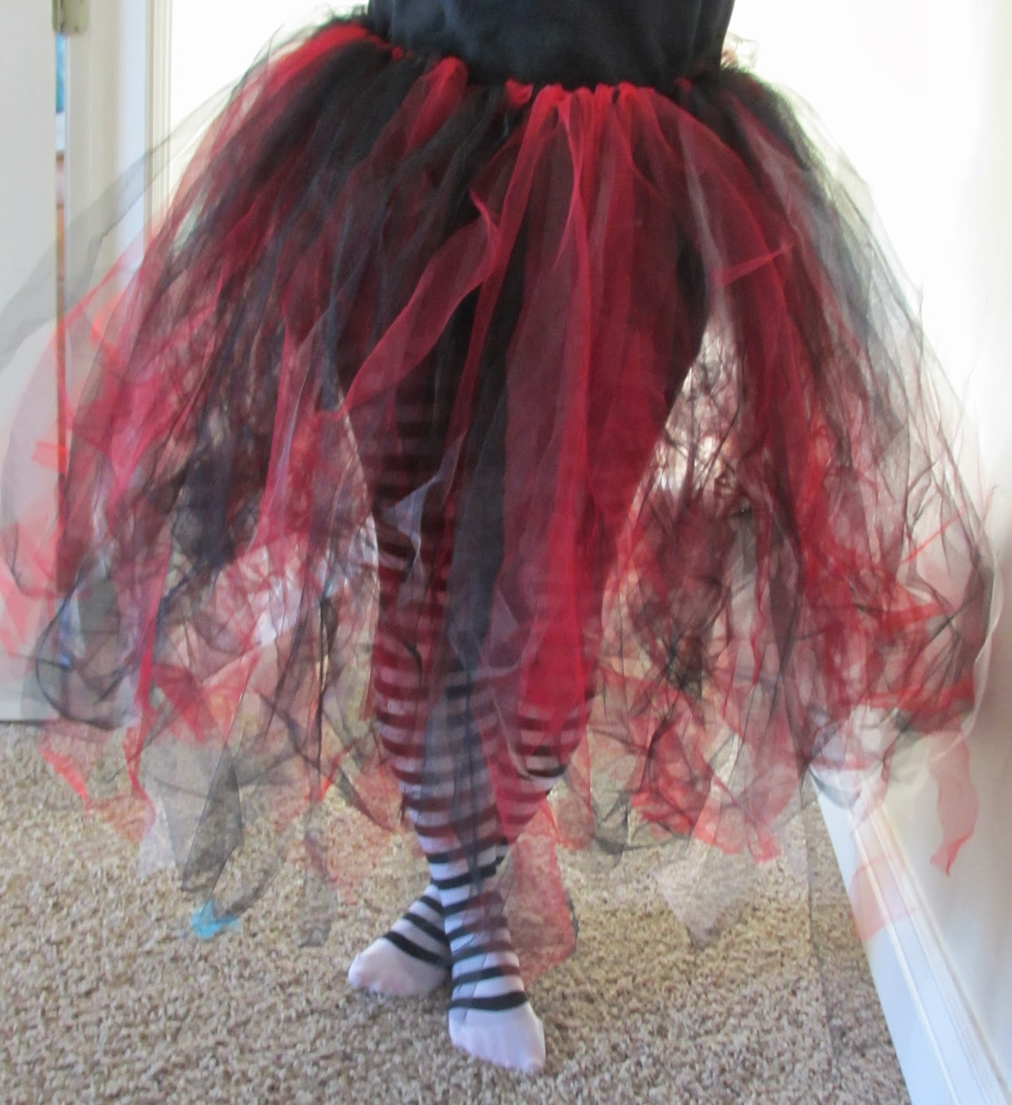 Queen Of Hearts Costume Diy Tutu Hot Glue & Sparkle...