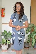 Seerath kapoor latest glam pics-thumbnail-11