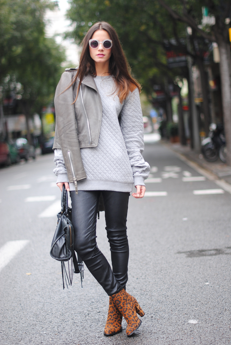 Fantastic  Grey Pants White Cream Top Sweater Tshirt Gray Blazer Women39s