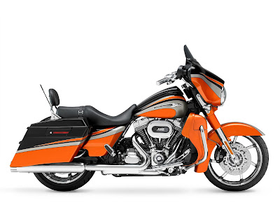 Harley Davidson FLHXSE2 CVO Street Glide Limited Edition