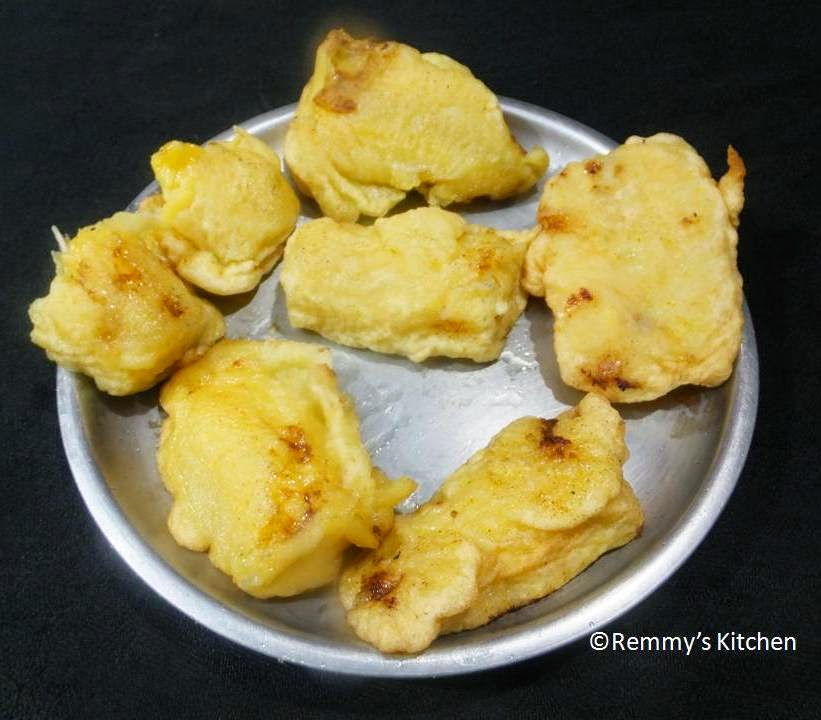 Pazham pori/ethakkappam/banana fritters
