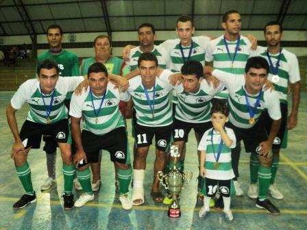 Medalhas, troféus e premiação em dinheiro aos melhores da II Copa de Futsal dos Mototaxistas de Limoeiro