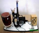Palco com Violão e Percussão