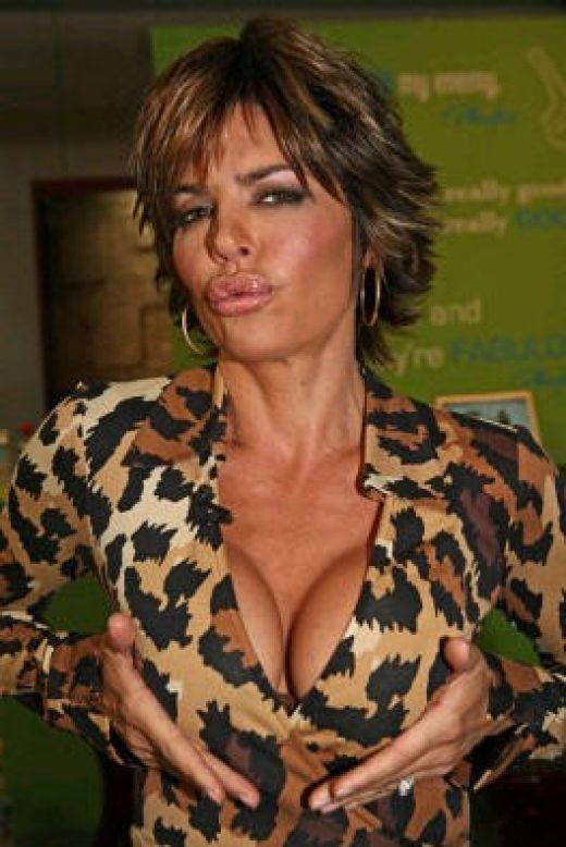 Lisa Rinna Hairstyle Trends Lisa Rinna Hot Pictures