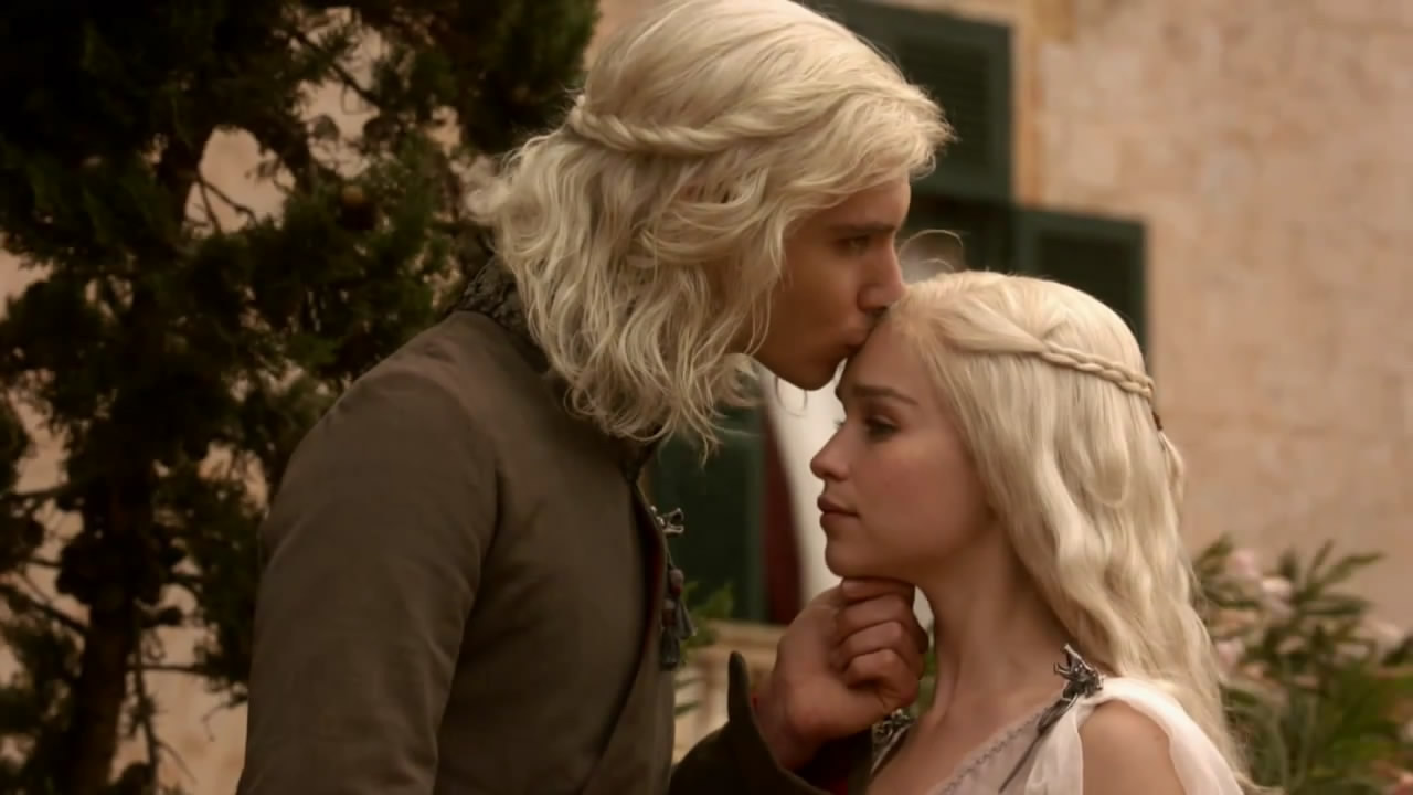 Viserys being creepy with his sister Daenerys