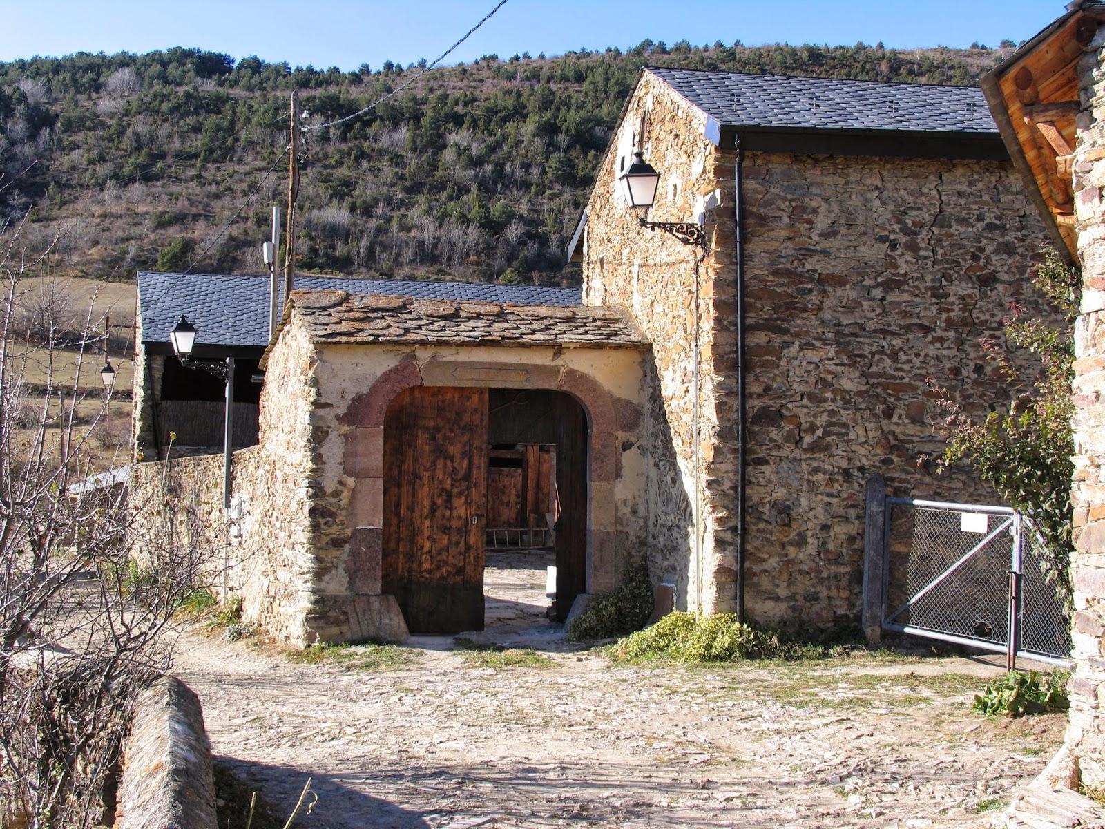 Ruralverd casa rural ller cerdanya 11501 for Casa rural catalunya piscina