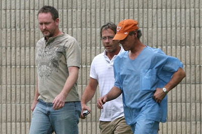 Drunk & naked Randy Travis threatens to kill cops - SheKnows