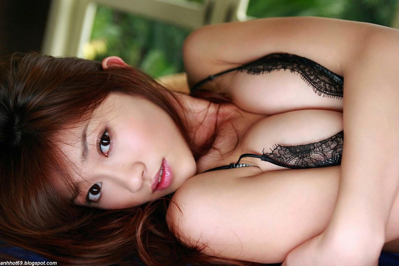 mikie-hara-00555690