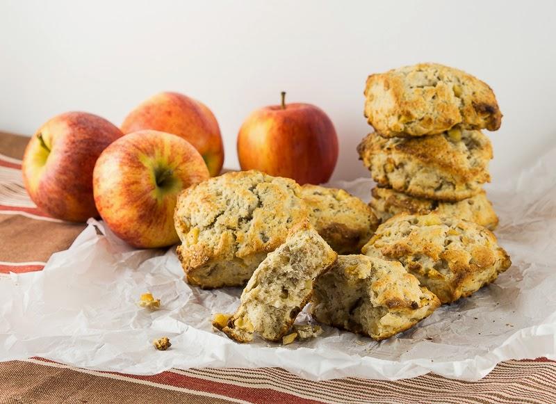 Simply Delicious : Apple Walnut Scones