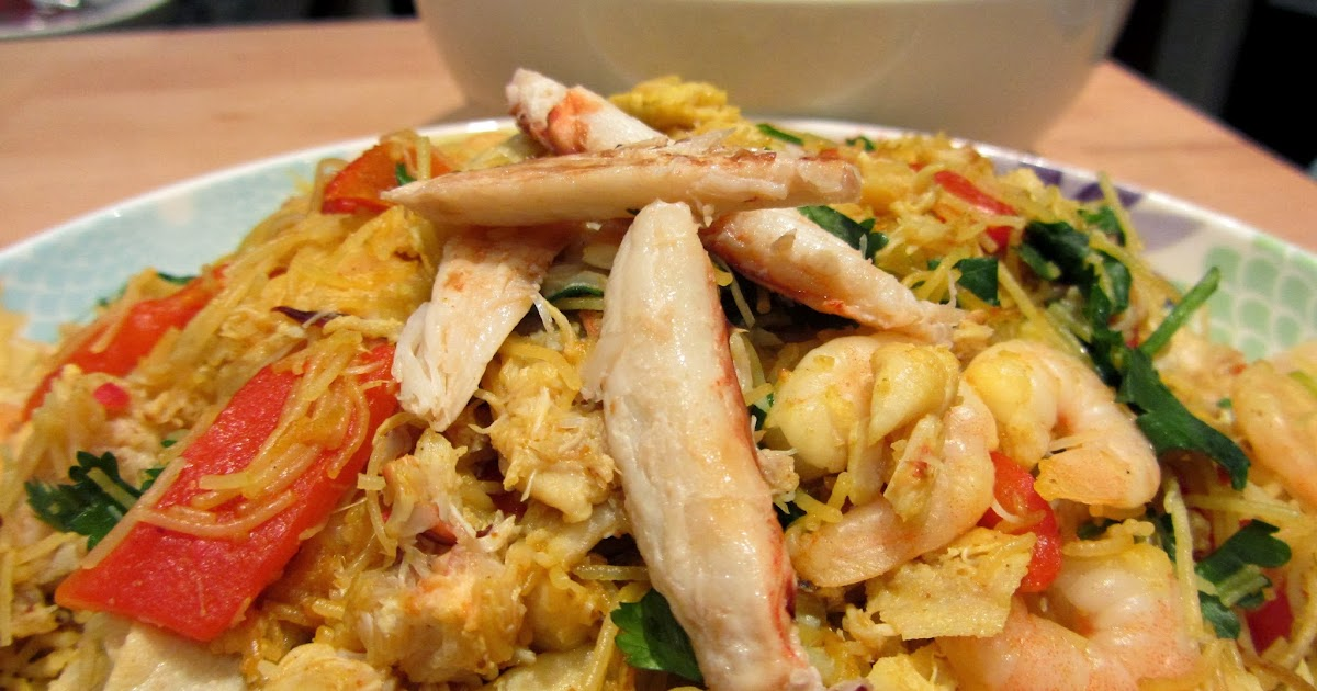 Slimming World Delights: Crab and Prawn Singapore Noodles