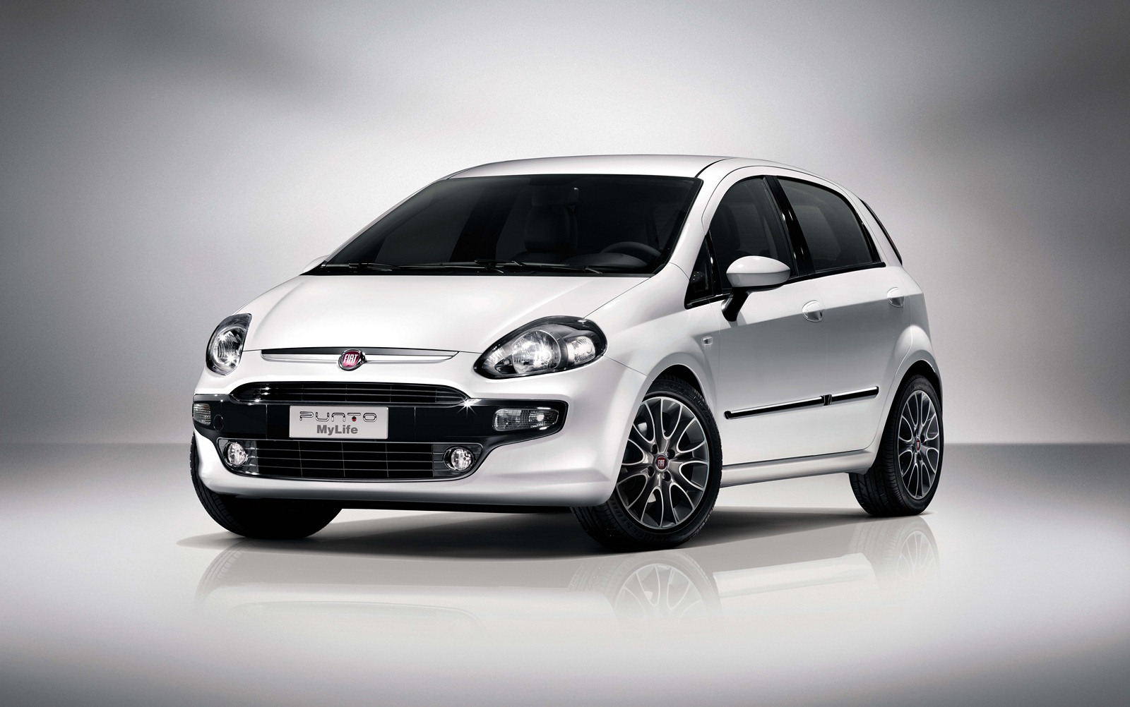 new 2012 fiat punto evo my life photos and details garage car. Black Bedroom Furniture Sets. Home Design Ideas