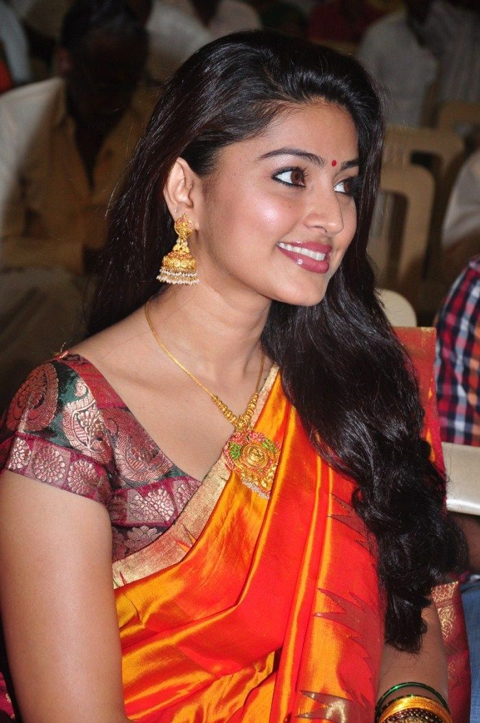 Tamil Actress Sneha Latest Photos Shakerworld