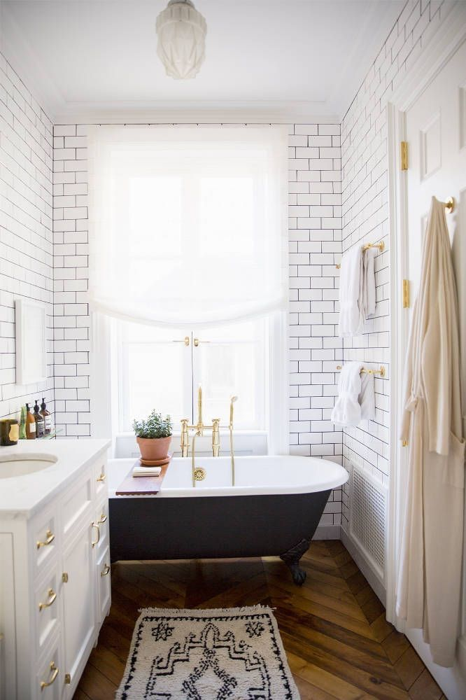 Black and Gold Bathroom Decor