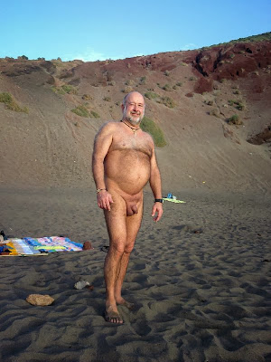 naked hairy daddybears - beach naked - daddie bear