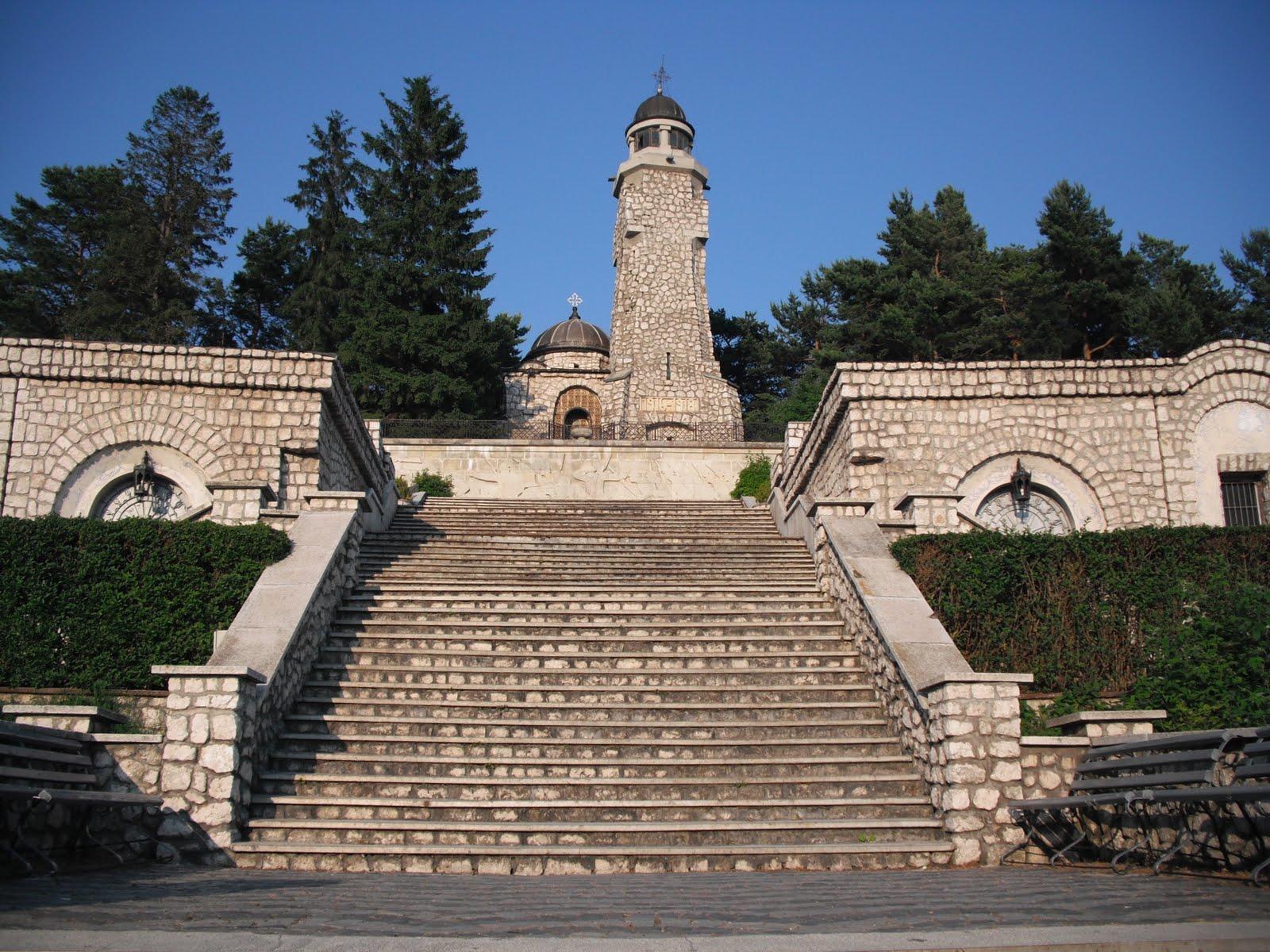 mausoleul eroilor de la mateias