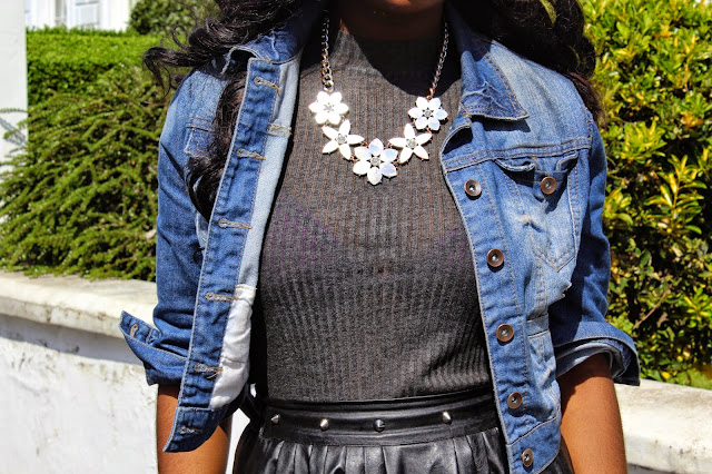 PRIMARK GOLD STATEMENT NECKLACE