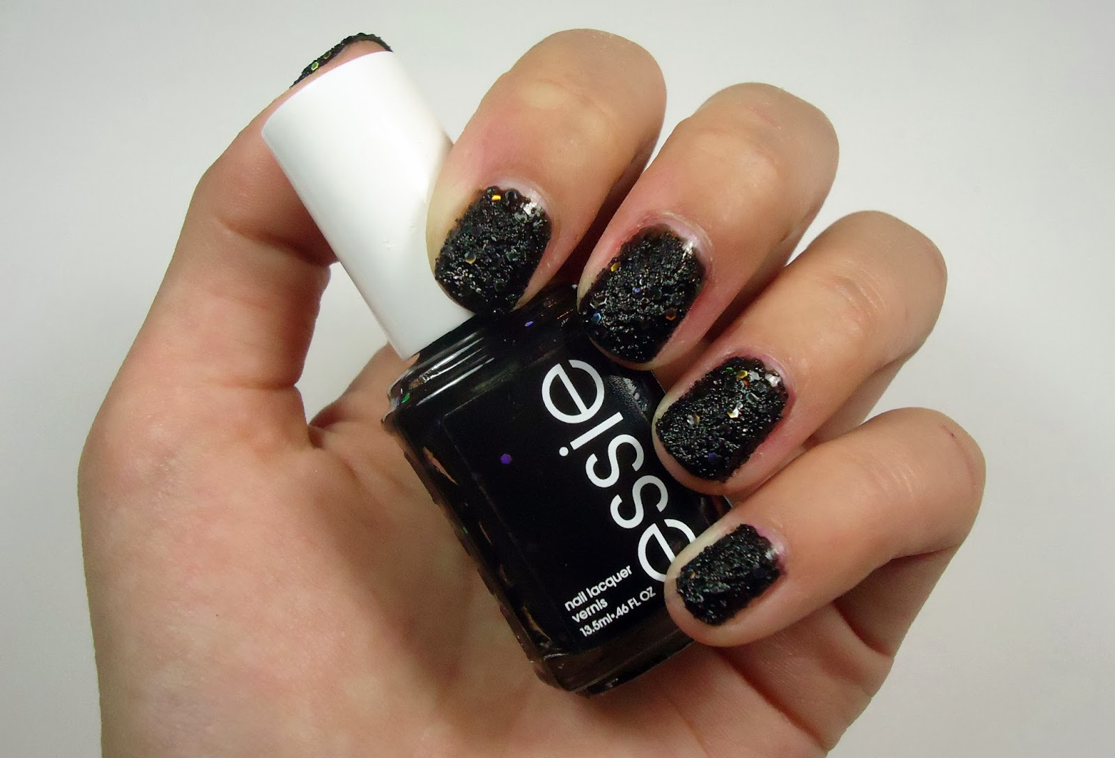 Beauty Kitten: Essie Nail Lacquer in Belugaria Review & Swatch
