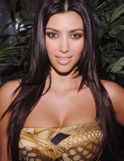 kim kardashian sexy breast