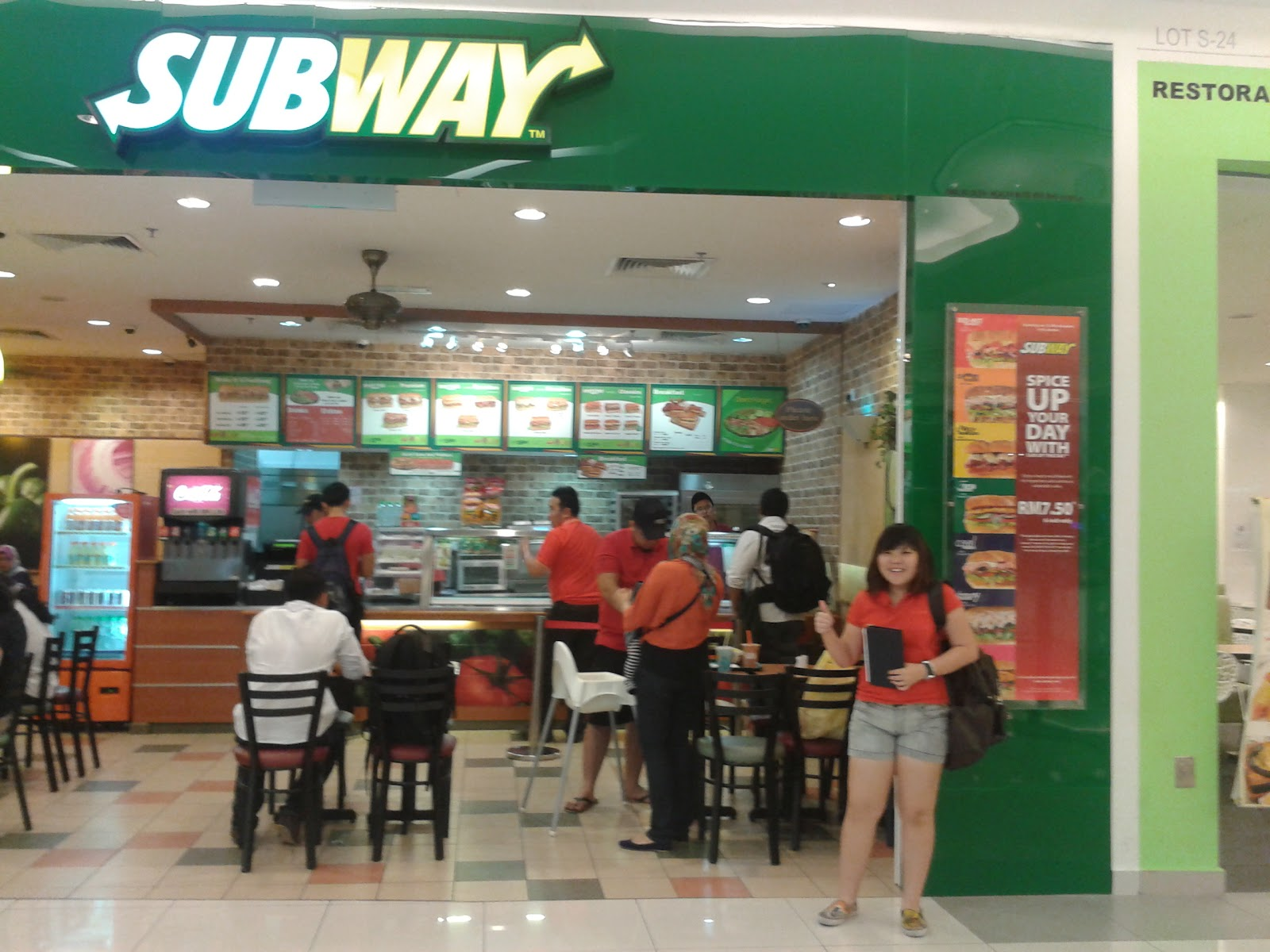 subway franchise Hello there i am interested in opening a subway franchise some people on this forum have previously stated that they have had or know of problems with the subway franchise's.