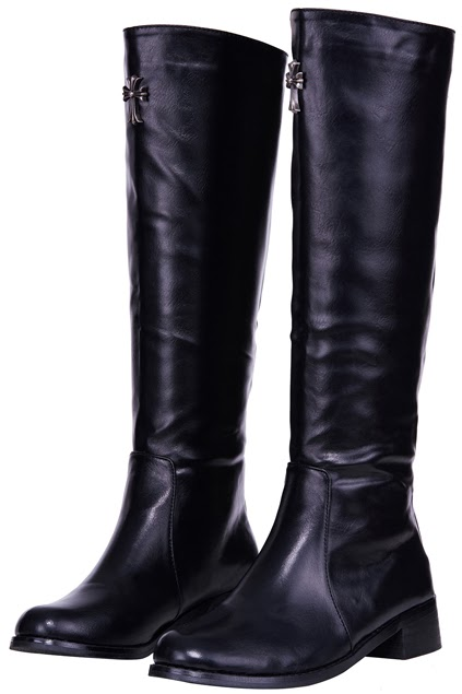 www.romwe.com/romwe-rear-zipped-faux-leather-black-boots-p-79272.html?cherryqueendee