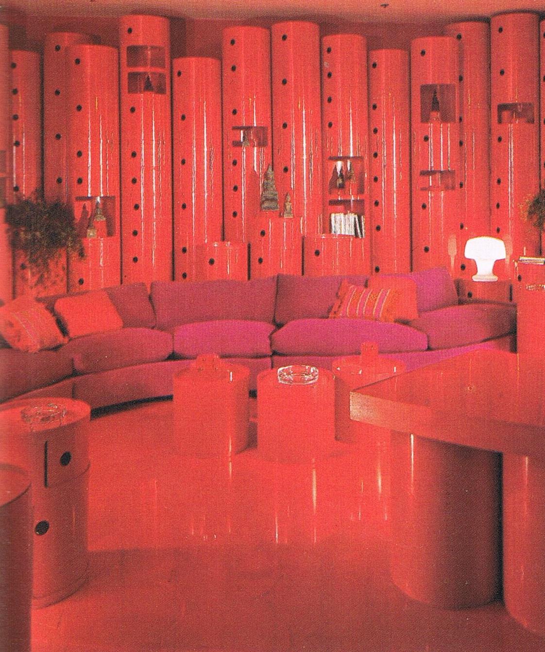 http://3.bp.blogspot.com/-OzXMF61dO9o/TWSf5TzdyAI/AAAAAAAAAT4/bR1IfUGPZOc/s1600/Red+Kartell+Room.jpg